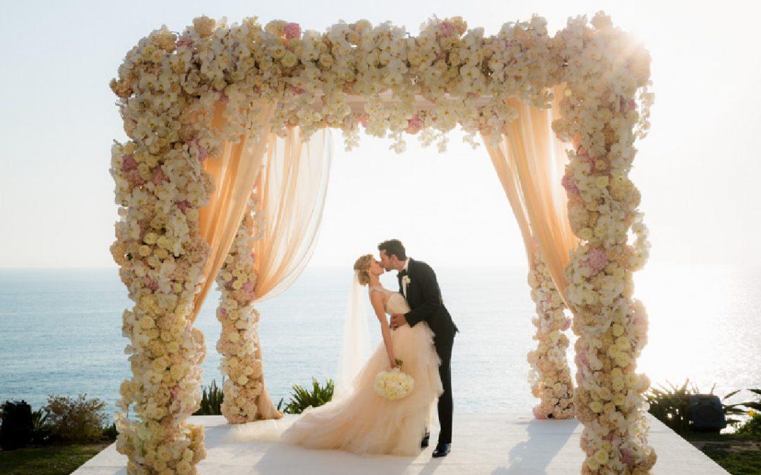 Ideas y estilos para decorar el altar de tu boda